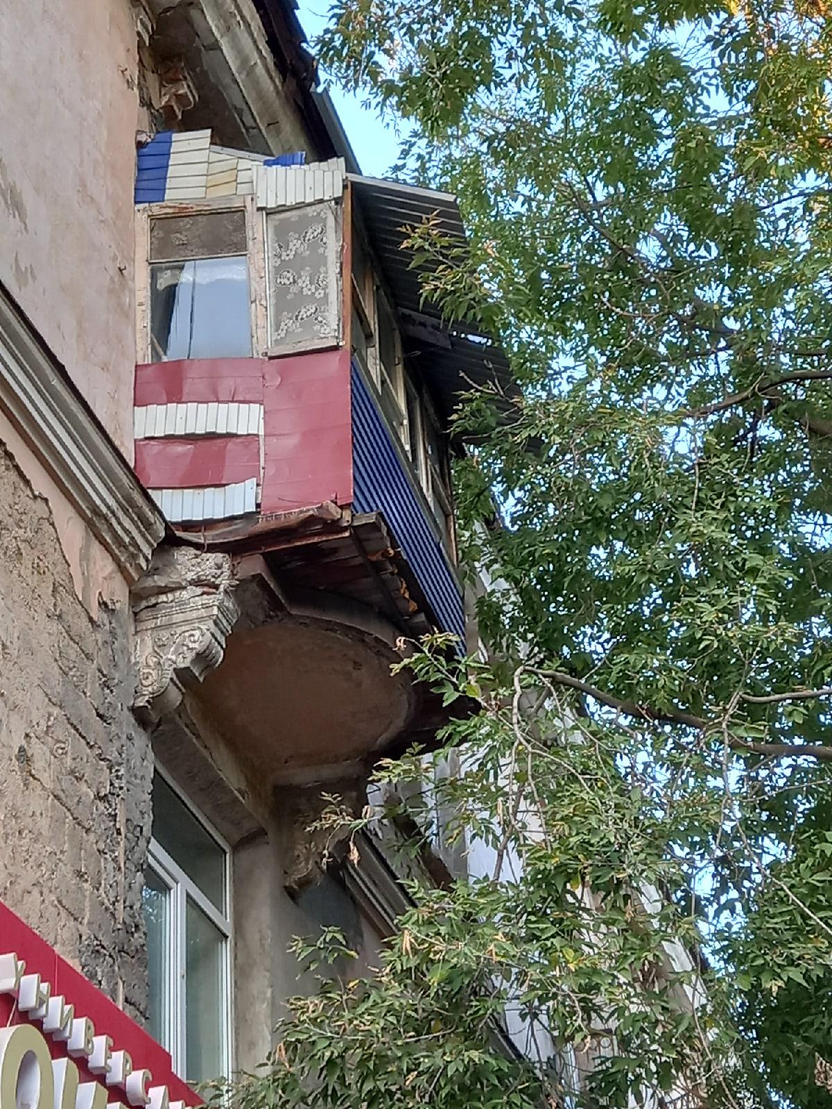 Балконы ебеней - Фото