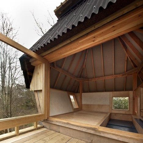 Stilted writer's hut by Nozomi Nakabayashi in Dorset woodland
