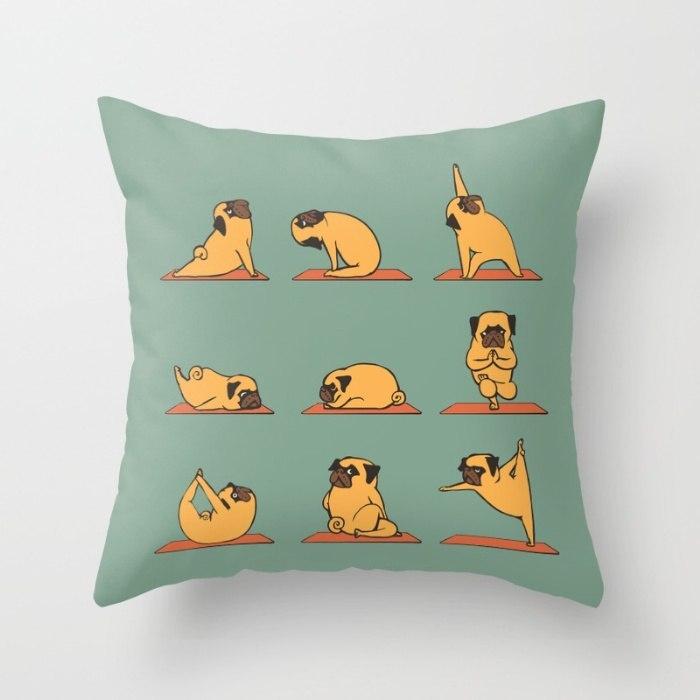 Подушка с мопсом -