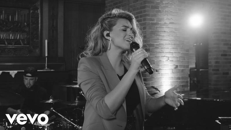 Tori Kelly - Never Alone ft. Kirk Franklin (Live)