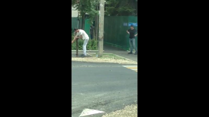 Шизики на улице в Краснодаре