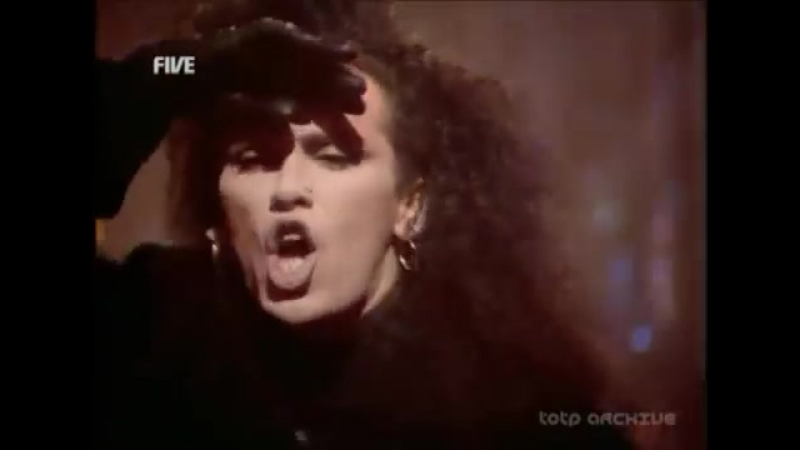Dead or Alive - You Spin Me Round (Like A Record) @ TOTP 25-12-1985