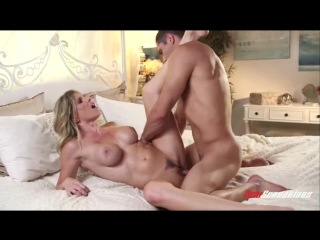 My Mother Is Sexy / Моя Мать Секси (Cory Chase)