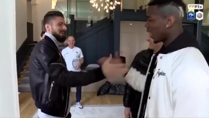 Встреча игроков сборной Франции