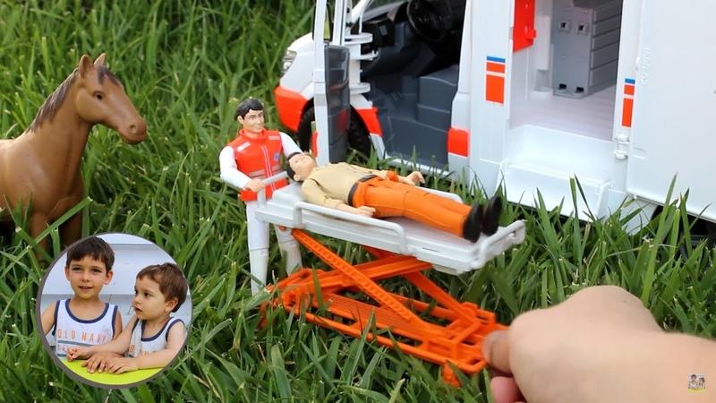 Распаковка игрушек Скорая помощь Брудер Ambulance Bruder 02536 МВ Sprinter Видео про машинки
