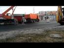 Видео КамАЗ дорожных служб провалился в яму, которую приехал заделывать
