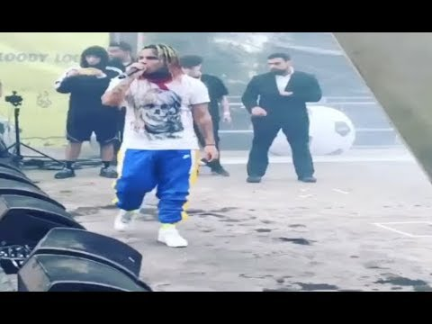 6ix9ine Shouts out XXXtentacion At His Concert