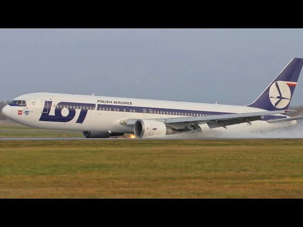 Incredible Pilot Skills Emergency Landing Without Wheels