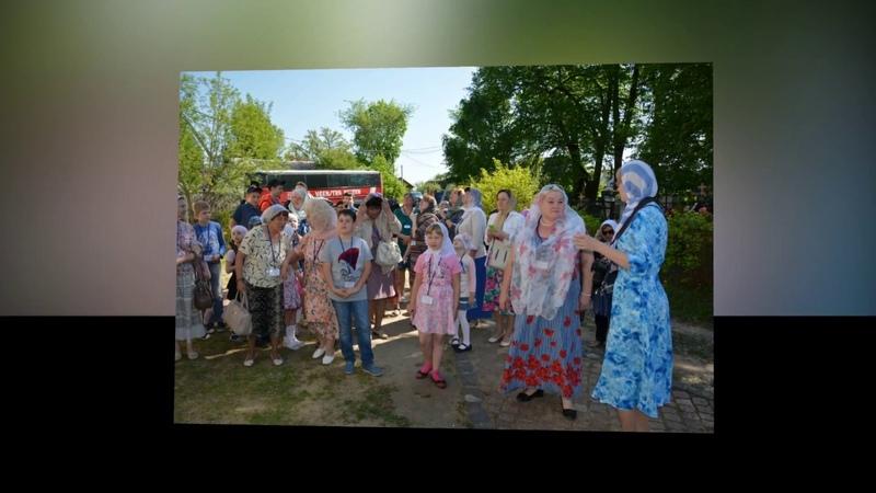 Поездка воспитанников воскресных школ по храмам Воскресенского района