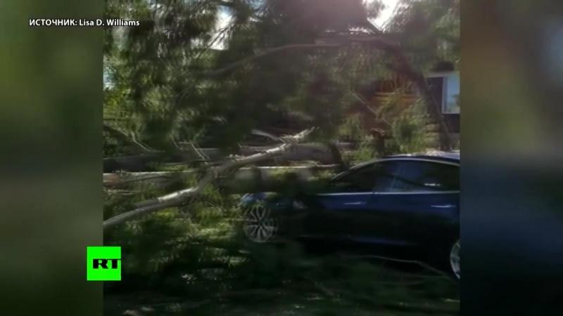 В Канаде устраняют последствия мощного урагана