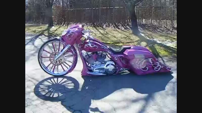 Jennifers 30 inch bagger Custom Cycles LTD street glide Har