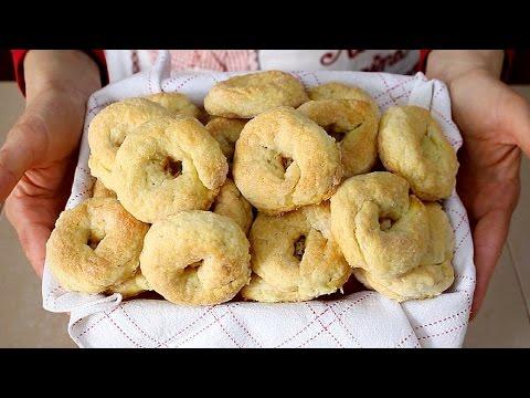 TARALLI DOLCI AL VINO BIANCO RICETTA FACILE - Italian Wine-Doughnuts Recipe