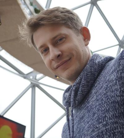 Влад Бурцев