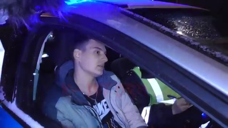 Малолетнее пьяное быдло-хамло и выдержанные инспектора ГИБДД
