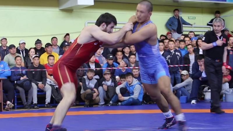 За золото в 74 кг.1. Хизриев Надирбек (Красноярск) 2. Мортуй-оол Эртине (Тыва)