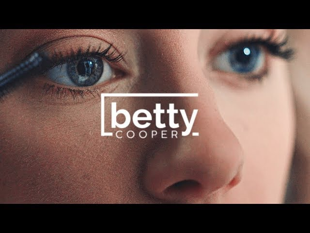 Betty Cooper | Looking too Closely