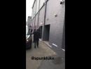 Ashton arriving at the venue via @spunkIuke
