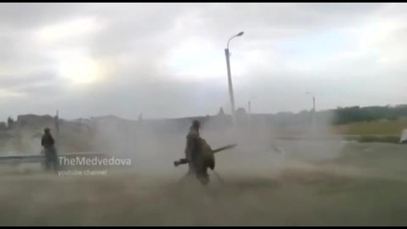 Дебальцево.18 ноября,2014.ВСУ ведут бой с ополчением на блок-посту.