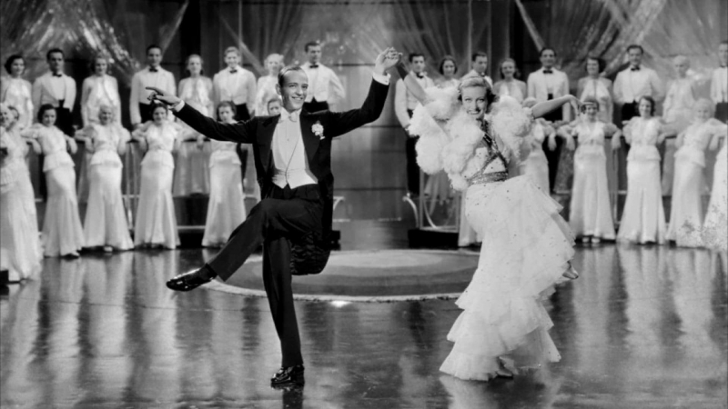 ХФ Танцующая леди (США, 1933) Мюзикл с Джоан Кроуфорд и Кларком Гейблом в гл. ролях. Первый фильм с участием Фреда Астера.