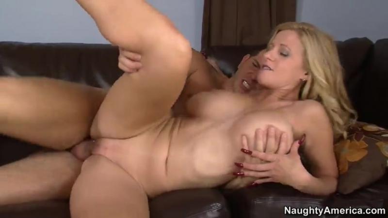 Holly Claus mature mom mother milf cougar housewive pornstar big tits boobs blonde blowjob