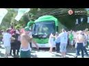 Torcedores do Palmeiras protestam e atacam ônibus do time antes de Palmeiras x Flamengo