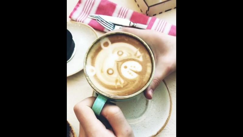 ⠀⠀ Кофе не роскошь а средство передвижения😀 Если в последнее время передвижения поражают своими скоростями а дела масшт