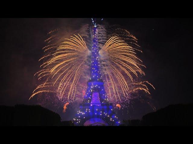 La Fête nationale française - Paris - Tour Eiffel - 14 juillet 2017 (Feu d'artifice)