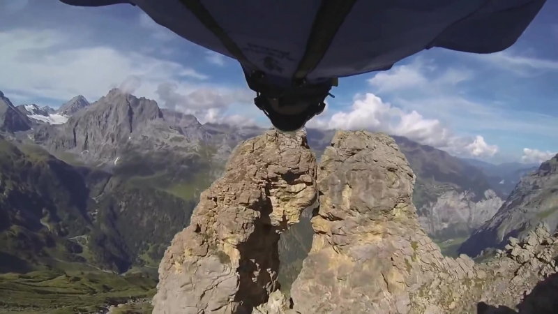 Extreme Life Wingsuit.mp4