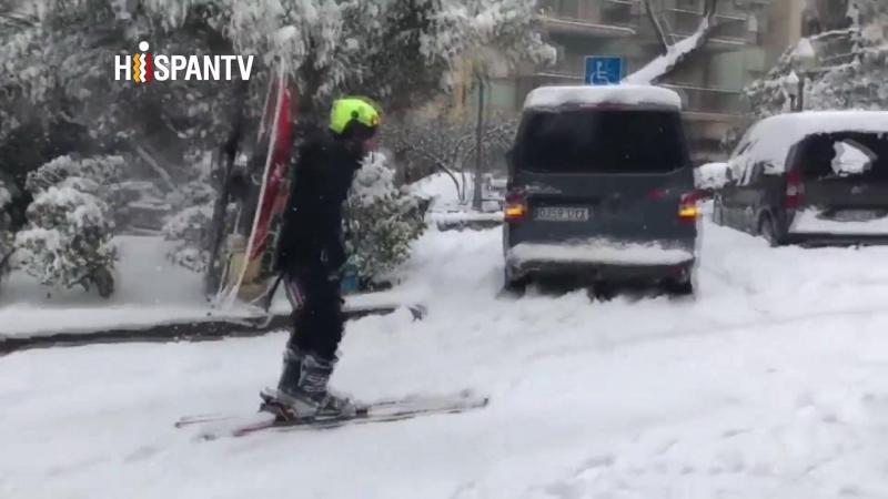 ¿Habías visto alguna vez un esquiador motorizado?