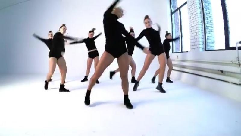 16 марта в Мотиватике 2-х часовой интенсив по Dancehall Female от @ anastasia_fattakhova 🔥 В программе: 🐾женские степы 🐾рутина 🐾