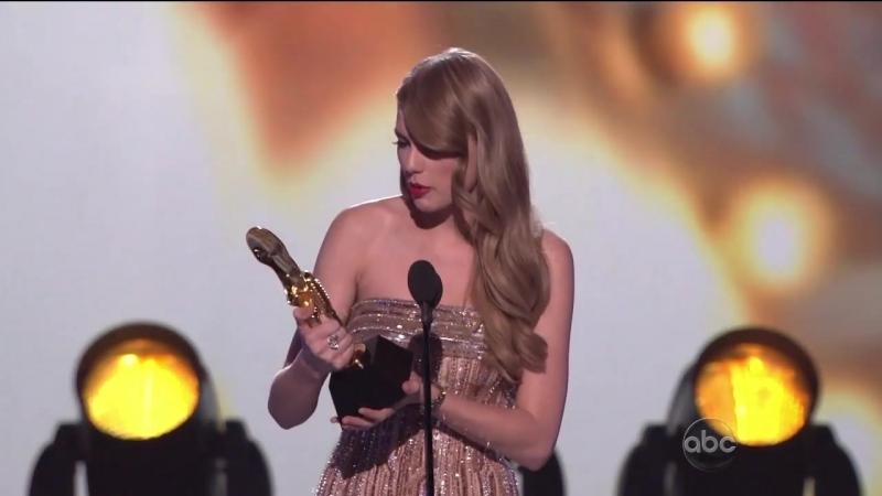 Taylor Swift Wins 2 Billboard Music Awards (2011)