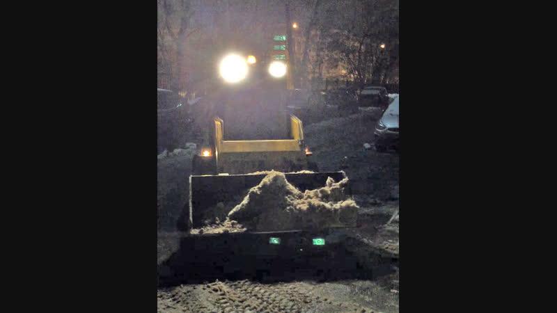 Жилищник Солнцево экономит бабки на вывозе снега