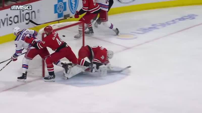 Lundqvists 43 saves lifts Rangers past Hurricanes