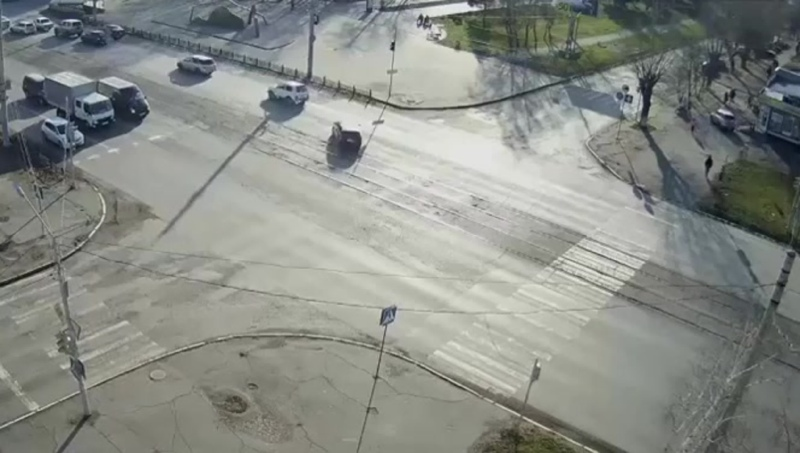 Как не надо переходить дорогу