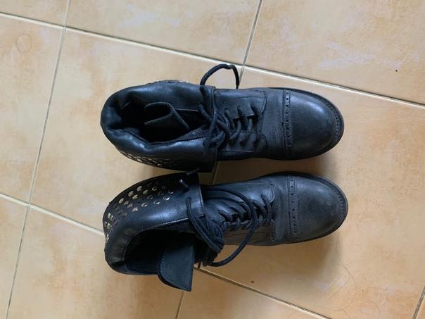 Комендантский проспект . Обувь размер 37-38. Одежда разме...