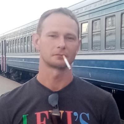 Олег, 35, Saint Petersburg