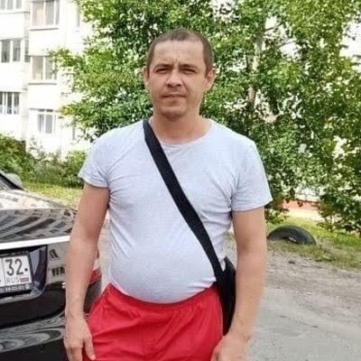 Эльмарт, 42, Kogalym