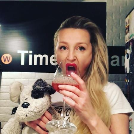 Медынич Ольга on Instagram Инстаграм любовь моя 64 👓 запойная 🍸🥂🍻🍷🍾 шишлмышл абрвабр мипачмтраее медыничольга ооо вотбуковки девочки н